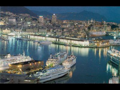 Описание и снимки на пристанище Генуа, Италия от круизен маршрут