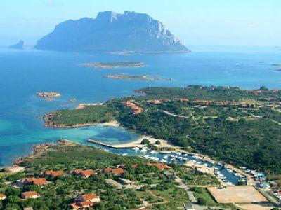 Описание и снимки на пристанище о-в Сардиния (Олбия), Италия от круизен маршрут