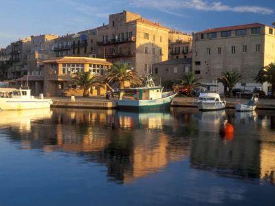 Описание и снимки на пристанище о-в Корсика (Проприано), Франция от круизен маршрут