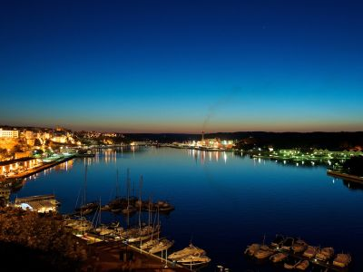 Описание и снимки на пристанище о-в Менорка (Маон), Испания от круизен маршрут