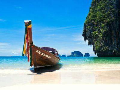 Описание и снимки на пристанище о-в Пукет, Тайланд от круизен маршрут
