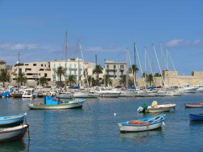 Описание и снимки на пристанище Бари, Италия от круизен маршрут