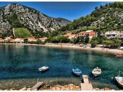 Описание и снимки на пристанище Тръстеник, Хърватия (Хърватска) от круизен маршрут