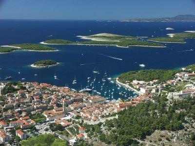 Описание и снимки на пристанище Хвар, Хърватия (Хърватска) от круизен маршрут