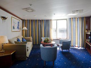 Описание на каюта категория SB - Balcony Suite на круизен кораб CELESTYAL Crystal – обзавеждане, площ, разположение