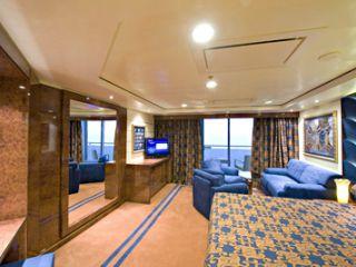 Описание на каюта Апартаменти Aurea  на круизен кораб MSC Splendida – обзавеждане, площ, разположение