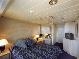 Описание на каюта Каюти с балкон - клас Bella на круизен кораб MSC Opera – обзавеждане, площ, разположение