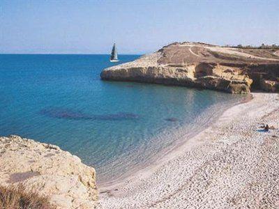 Описание и снимки на пристанище о-в Сардиния (Порто Торес), Италия от круизен маршрут