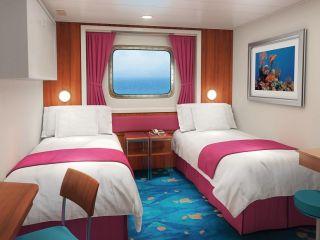 Описание на каюта Семейна каюта с прозорец - категория O1 на круизен кораб Norwegian Jade – обзавеждане, площ, разположение