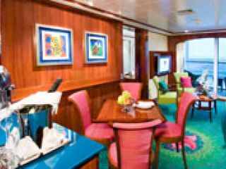 Описание на каюта Family Suite - SC на круизен кораб Norwegian Jade – обзавеждане, площ, разположение