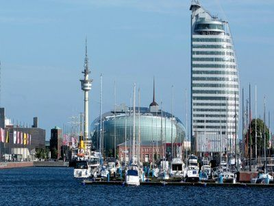 Описание и снимки на пристанище Бремерхафен, Германия от круизен маршрут