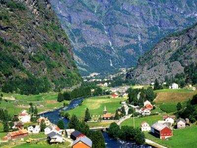 Описание и снимки на пристанище Флаам, Норвегия от круизен маршрут