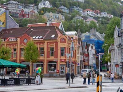 Описание и снимки на пристанище Берген, Норвегия от круизен маршрут