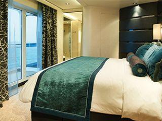 Описание на каюта The Haven Deluxe Owner's апартамент с голям балкон H2 на круизен кораб Norwegian Breakaway – обзавеждане, площ, разположение