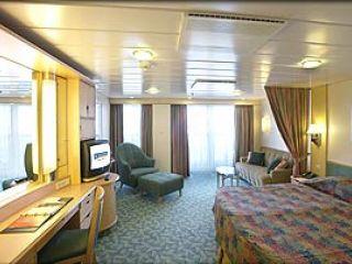 Описание на каюта Junior Suite – категория JS  на круизен кораб MARINER of the Seas – обзавеждане, площ, разположение