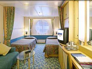 Описание на каюта Oceanview Stateroom - категория I на круизен кораб NAVIGATOR of the Seas  – обзавеждане, площ, разположение