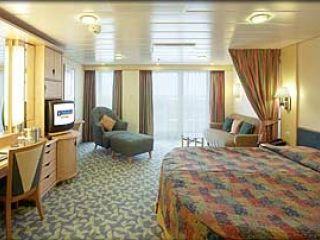 Описание на каюта Suite Guarantee – категория W  на круизен кораб NAVIGATOR of the Seas  – обзавеждане, площ, разположение