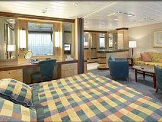 Описание на каюта  Grand Suite – категория GS  на круизен кораб NAVIGATOR of the Seas  – обзавеждане, площ, разположение
