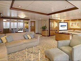 Описание на каюта Owner's Suite – категория OS на круизен кораб NAVIGATOR of the Seas  – обзавеждане, площ, разположение