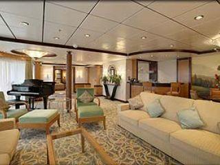 Описание на каюта Royal Suite – категория RS на круизен кораб NAVIGATOR of the Seas  – обзавеждане, площ, разположение