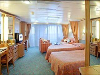 Описание на каюта Junior Suite – категория JS  на круизен кораб ADVENTURE of the Seas – обзавеждане, площ, разположение