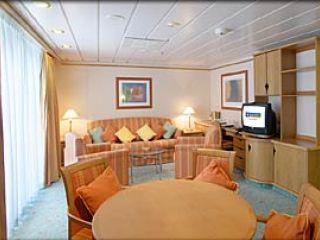 Описание на каюта Royal Family Suite – категория FS на круизен кораб ADVENTURE of the Seas – обзавеждане, площ, разположение