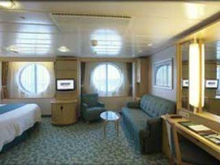 Описание на каюта Family Oceanview - категория FO на круизен кораб LIBERTY of the Seas – обзавеждане, площ, разположение