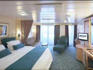 Описание на каюта Junior Suite Guarantee - категория W на круизен кораб LIBERTY of the Seas – обзавеждане, площ, разположение