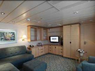 Описание на каюта Royal Family Suite - категория FS на круизен кораб LIBERTY of the Seas – обзавеждане, площ, разположение