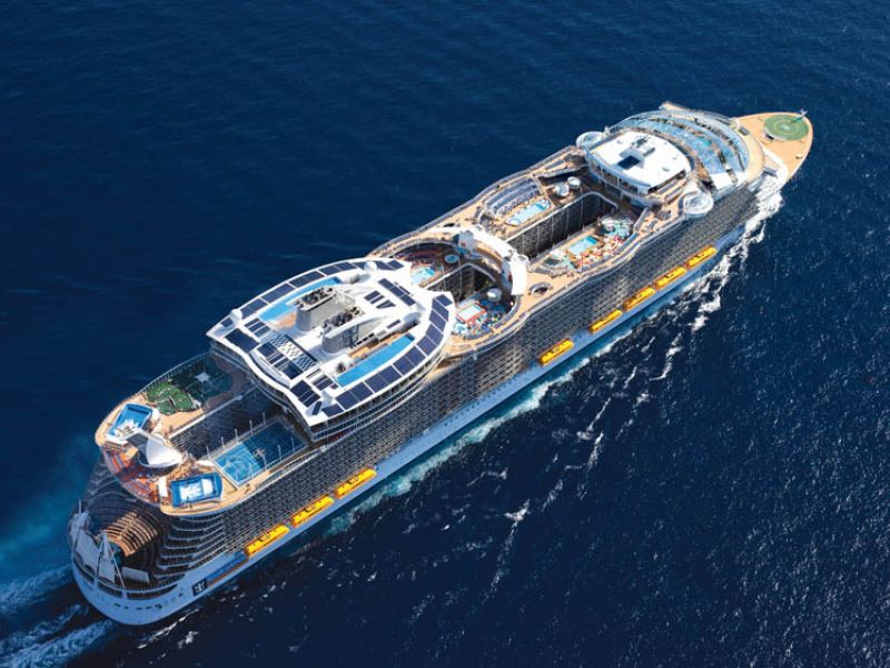 Круизен кораб OASIS of the Seas на Royal Caribbean Intl.