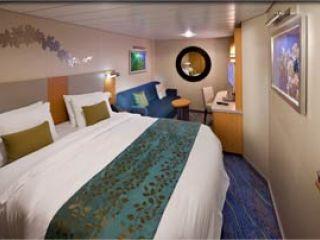 Описание на каюта Interior Cabin - категория Q на круизен кораб OASIS of the Seas – обзавеждане, площ, разположение