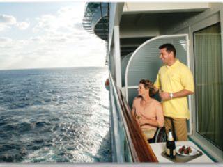 Описание на каюта Accessible Balcony Stateroom – каюта с балкон, категория AX на круизен кораб OASIS of the Seas – обзавеждане, площ, разположение