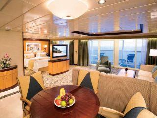 Описание на каюта Owner's Suite – луксозен апартамент, категория OS на круизен кораб OASIS of the Seas – обзавеждане, площ, разположение