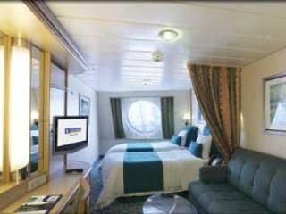 Описание на каюта Външна каюта - категория F на круизен кораб FREEDOM of the Seas – обзавеждане, площ, разположение