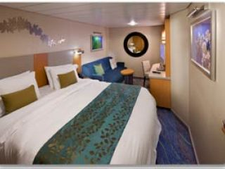 Описание на каюта Interior Cabin - категория Q на круизен кораб ALLURE Of The Seas – обзавеждане, площ, разположение