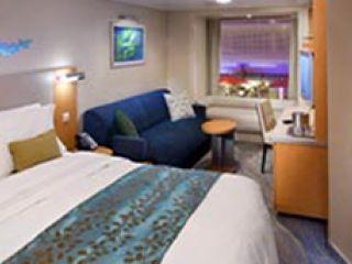 Описание на каюта Promenade Stateroom – категория PR на круизен кораб ALLURE Of The Seas – обзавеждане, площ, разположение
