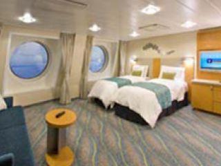Описание на каюта Family Oceanview Stateroom - категория FO  на круизен кораб ALLURE Of The Seas – обзавеждане, площ, разположение