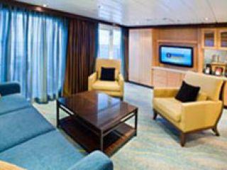 Описание на каюта Royal Family Suite – семеен апартамент, категория FS на круизен кораб ALLURE Of The Seas – обзавеждане, площ, разположение