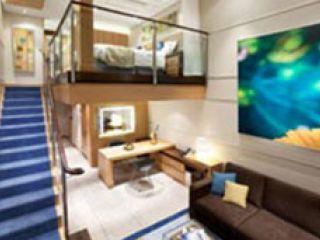 Описание на каюта Crown Loft Suite Balcony  – апартамент с мансарда, категория L1-L2  на круизен кораб ALLURE Of The Seas – обзавеждане, площ, разположение