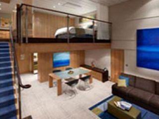 Описание на каюта Sky Loft Suite Balcony –  двуетажен апартамент  - категория SL на круизен кораб ALLURE Of The Seas – обзавеждане, площ, разположение
