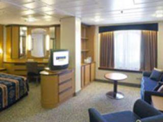 Описание на каюта Семейна каюта с прозорец категория FO на круизен кораб JEWEL of the Seas – обзавеждане, площ, разположение