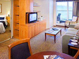 Описание на каюта Голям апартамент с две спални категория TS на круизен кораб JEWEL of the Seas – обзавеждане, площ, разположение