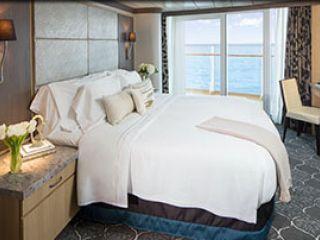 Описание на каюта Аquatheater Suite в задната част на кораба на круизен кораб HARMONY of the Seas – обзавеждане, площ, разположение