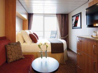 Описание на каюта Каюти с балкон Concierge class (категория C1, C2, C3) на круизен кораб Celebrity EQUINOX – обзавеждане, площ, разположение