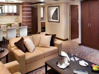 Описание на каюта Апартаменти Royla Suite (категория RS) на круизен кораб Celebrity EQUINOX – обзавеждане, площ, разположение