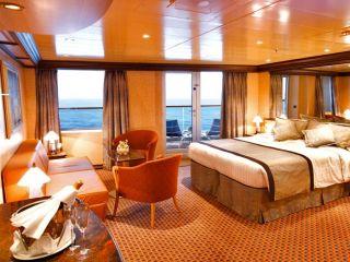 Описание на каюта Голям апартамент - категория GS на круизен кораб Costa LUMINOSA – обзавеждане, площ, разположение