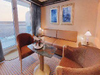 Описание на каюта Голям апартамент - категория GS на круизен кораб Costa DELIZIOSA – обзавеждане, площ, разположение