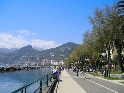 Описание и снимки на пристанище Салерно, Италия от круизен маршрут