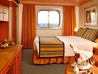 Описание на каюта Външни каюти - клас Premium  на круизен кораб Costa MAGICA – обзавеждане, площ, разположение