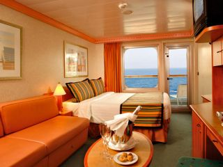 Описание на каюта Каюти с балкон - клас Premium на круизен кораб Costa MAGICA – обзавеждане, площ, разположение
